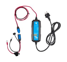 Blue Smart IP65 Charger 12/7(1) 230V UK Retail